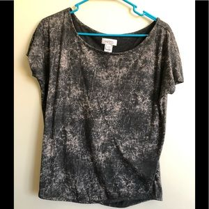 Kiera stonewashed wise neck of shoulder top